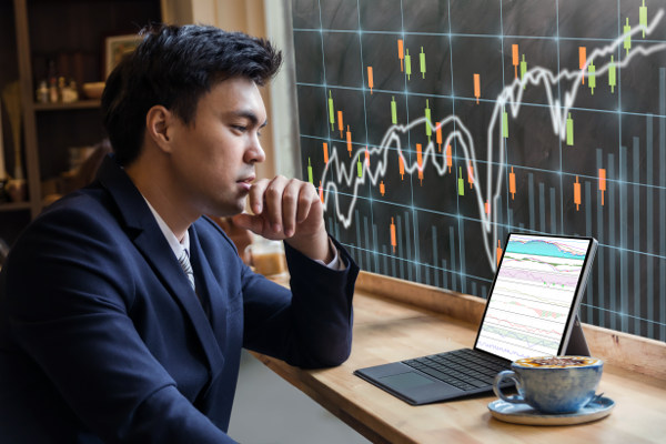 Choosing a binary options broker betting win place or show